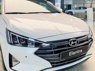 Chỉ 5 suất giảm 20tr Hyundai Elantra tiêu chuẩn tháng 9 - giảm mạnh nhất năm, tăng full option
