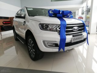 Ford Everest Titanium 4.2 trắng nhập Thái
