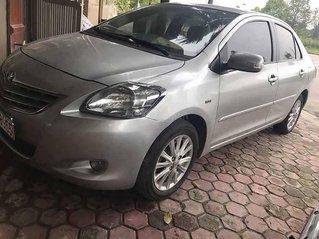 Cần bán lại xe Toyota Vios sản xuất năm 2011, màu bạc xe gia đình, giá 285tr