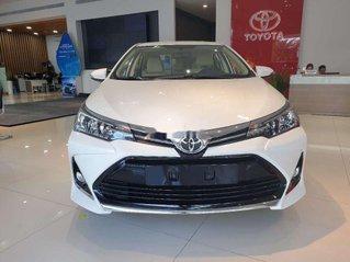 Cần bán xe Toyota Corolla Altis sản xuất năm 2020, màu trắng