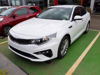 Cần bán xe Kia Optima sản xuất năm 2019, màu trắng, giá tốt