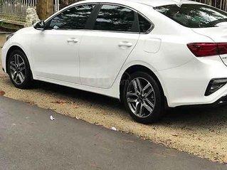 Xe Kia Cerato 1.6 Luxury đời 2019, màu trắng còn mới