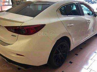Cần bán gấp Mazda 3 năm 2020, màu trắng còn mới