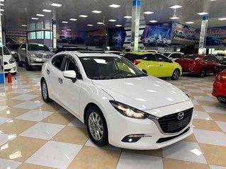 Cần bán gấp Mazda 3 năm sản xuất 2019, màu trắng còn mới