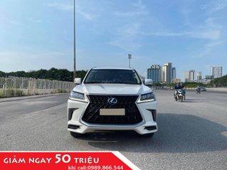 Chính chủ bán Lexus LX 570 Super Sport V8 dung tích 5.7L, sản xuất 2016, màu trắng nội thất kem, nhập chính hãng từ đầu