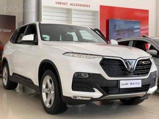 Xe VinFast Lux SA 2.0 AT 2020, màu trắng