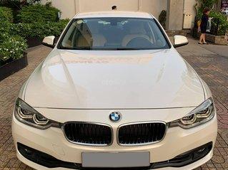 Bán BMW 320i CLI full LED model 2017, màu trắng, nội thất kem sang trọng và đầy phong cách