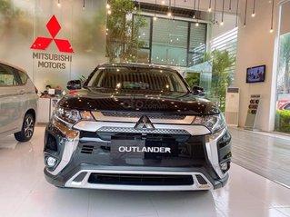 Hot Mitsubishi - Outlander siêu phẩm 2020 - khuyến mãi khủng - đủ màu, hỗ trợ trả góp, liên hệ ngay để có giá tốt nhất