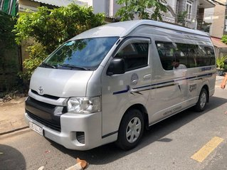 Chính chủ bán Toyota Hiace sản xuất 2014, màu bạc, máy dầu