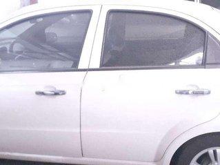 Bán Chevrolet Aveo năm sản xuất 2016, màu trắng, giá chỉ 260 triệu