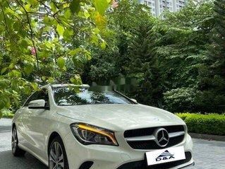 Bán xe Mercedes CLA 200 đời 2016, màu trắng