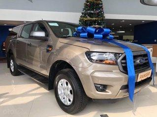 Ford Ranger XLS AT chỉ 650 triệu - tặng bộ phụ kiện cao cấp 30 triệu