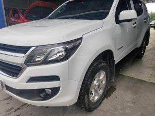 Chính chủ cần bán con xe Chevrolet Trailblazer sản xuất năm 2018, xe nhập Thái Lan, màu trắng, giá tốt