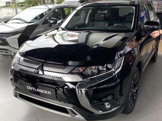 Bán xe Mitsubishi Outlander sản xuất năm 2020, màu đen, mới hoàn toàn