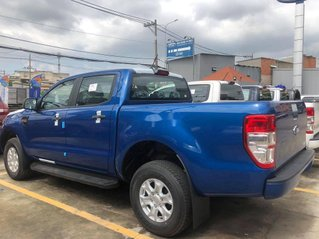 Bán Ford Ranger XLS 4x2 AT 2.2 năm 2020, màu xanh lam, nhập khẩu, mới 100%