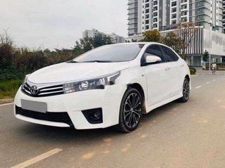 Cần bán lại xe Toyota Corolla Altis sản xuất 2017, màu trắng xe gia đình, giá 598tr