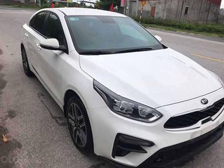 Cần bán lại xe Kia Cerato sản xuất 2019, màu trắng còn mới