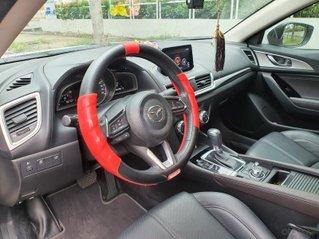 Gia đình bán xe Mazda 3 Trắng, mua T3.2019, đi 18.200 km. Giá 620 triệu.