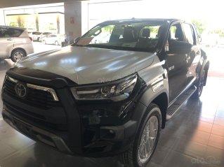 Toyota Hilux 2.8Q 2021 màu đen giao ngay- khuyến mãi giảm giá tiền mặt