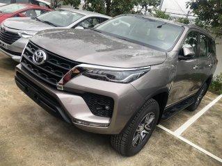 Bán Toyota Fortuner 2.4 số tự động - máy dầu, khuyến mãi lớn, giảm tiền, tặng phụ kiện