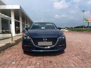 Chính chủ bán Mazda 3 sedan 1.5L, màu xanh, nội thất đen, xe sản xuất 10/2018, bảo hành bảo dưỡng toàn bộ tại hãng