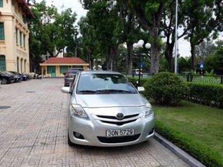 Cần bán lại xe Toyota Vios đời 2008, màu bạc