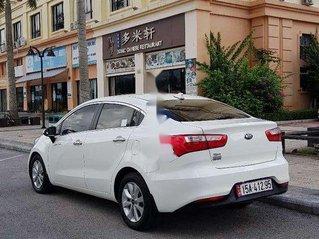 Cần bán Kia Rio sản xuất năm 2015, màu trắng, xe nhập