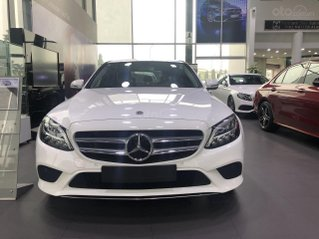 Mercedes-Benz C180 2020 giá tốt nhất, hỗ trợ 50% thuế trước bạ, tặng 1 năm bảo hiểm thân vỏ, 2 năm bảo dưỡng
