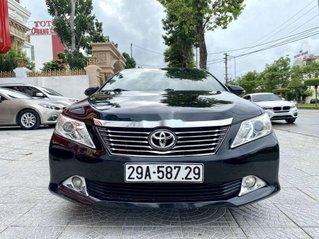 Cần bán lại xe Toyota Camry năm 2012, màu đen còn mới