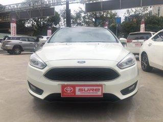 Cần bán xe Ford Focus 1.5AT Sedan 2017, màu trắng, xe gia đình HCM, đi 50.000km - xe chất giá tốt