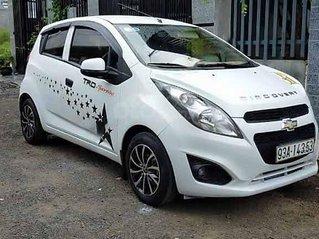 Cần bán Chevrolet Spark sản xuất 2015, màu trắng còn mới