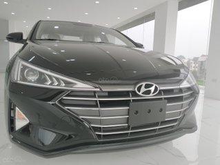 Hyundai Elantra 1.6AT ưu đãi cực khủng chi ân khách hàng cuối T9, kèm theo nhiều quà tặng phụ kiện hấp dẫn