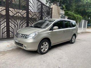 Bán Nissan Grand Livina năm 2011, số tự động 7 chỗ, chính chủ dùng