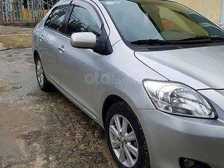Bán Toyota Yaris đời 2010, màu bạc, nhập khẩu
