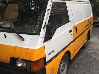 Bán xe Toyota Hiace năm sản xuất 2000, màu vàng, xe nhập còn mới