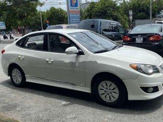 Cần bán lại xe Hyundai Avante sản xuất năm 2014, màu trắng, nhập khẩu