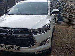 Cần bán xe Toyota Innova sản xuất 2019, màu trắng, nhập khẩu