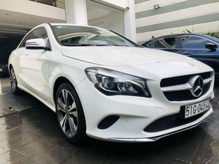 Bán Mercedes GLA 200 năm 2018, màu trắng, nhập khẩu