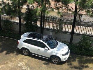 Gia đình bán Kia Sorento sản xuất năm 2016, màu trắng
