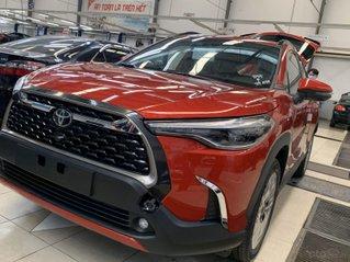 Bán Toyota Corolla Cross 1.8V màu đỏ. Xe giao ngay