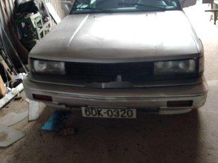 Cần bán Nissan Bluebird năm 1990, màu bạc