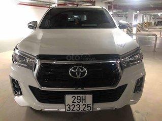 Bán Toyota Hilux đời 2019, màu trắng, xe nhập