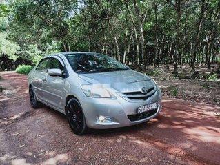 Cần bán lại xe Toyota Vios năm sản xuất 2008, màu bạc chính chủ, giá tốt