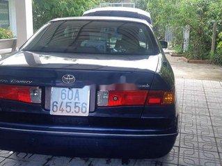 Bán xe Toyota Camry 2000, màu xanh, giá cạnh tranh