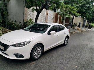 Cần bán gấp Mazda 3 sản xuất năm 2016, màu trắng còn mới