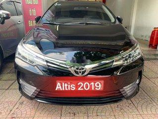 Cần bán Toyota Corolla Altis đời 2019, màu đen