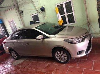 Cần bán Toyota Vios sản xuất năm 2017, màu ghi vàng còn mới
