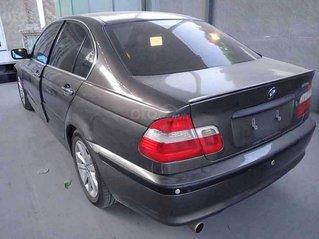 Cần bán BMW 3 Series năm sản xuất 2005, màu đen còn mới