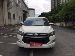 Cần bán xe Toyota Innova 2.0E 2018, Màu Trắng Xe GĐ đi 73.500 - Xe chất giá tốt