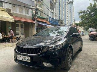 Cần bán lại xe Kia Cerato năm sản xuất 2017, màu đen, giá 540tr